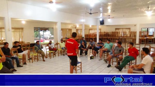 Barracão - Diretor de Esportes define calendário para o futebol e futsal 2018 com novidade