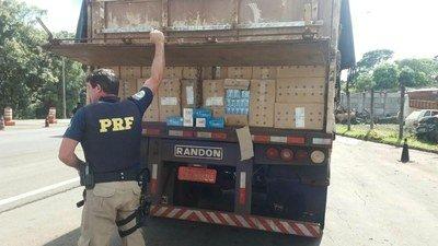 PRF apreende R$ 2,5 milhões em cigarros contrabandeados