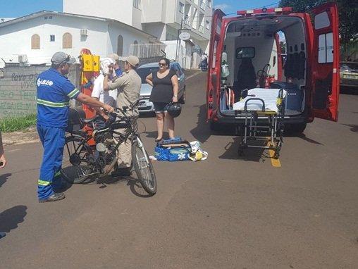 Colisão entre carro e bicicleta deixa ciclista ferido