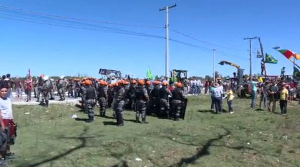 Caravana de Lula foi sitiada em Bagé e provocou tumulto