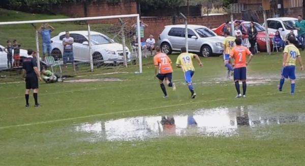 Com forte chuva e princípio de tumulto Cruzeiro vence o Fátima na ida da Taça CIF