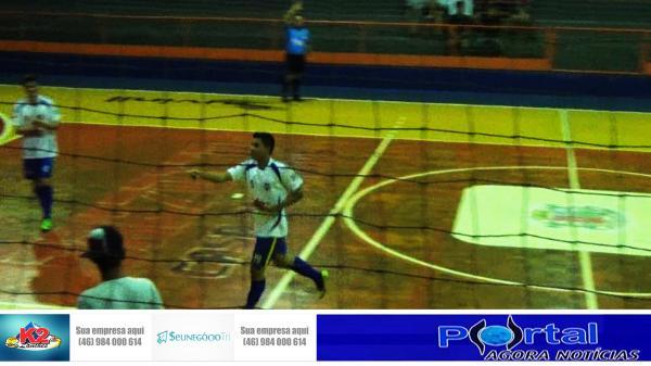 Barracão - Nova Esperança vence o Industrial B e está nas quartas de finais do Interbairros Futsal