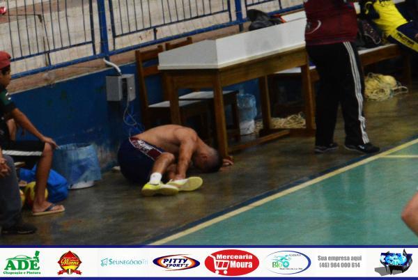 Rapha Morais sofre dores no tornozelo e pode ser mais uma dúvida para o Leão sábado (21)