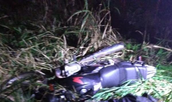 Homem morre após sofrer queda de moto na PR-182