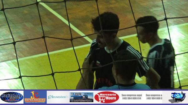 Novo Alvorada sai a frente, mas tropeça diante de Pinheirinho no Interbairros