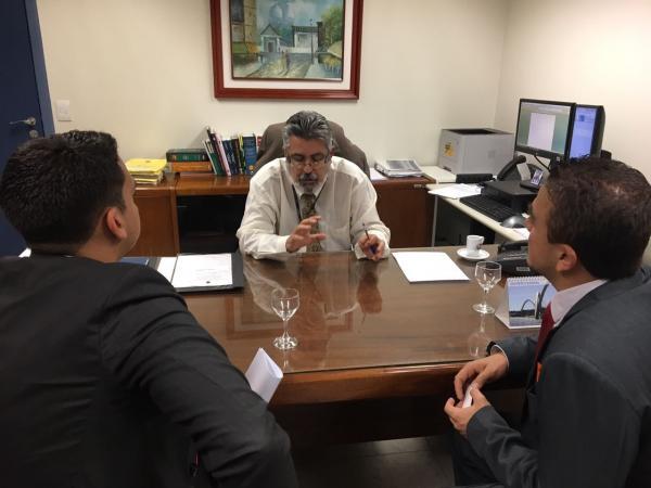 Deputado Federal Aliel (PSB) cobra julgamento de ação contra aumento na gasolina