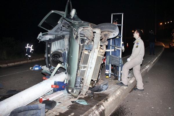 Acidente deixa um morto e dois feridos na Avenida Júlio Assis Cavalheiro