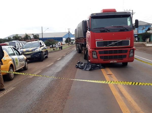 Mulher morre após atropelamento na BR-163