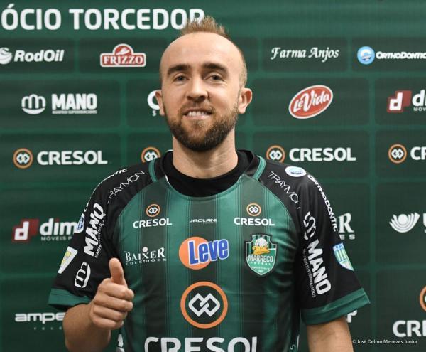 Alexandre Pintinho estréia no Cresol/Marreco no jogo em Foz
