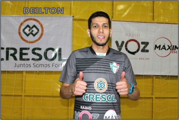 Deilton estréia neste sábado pelo Coronel Futsal
