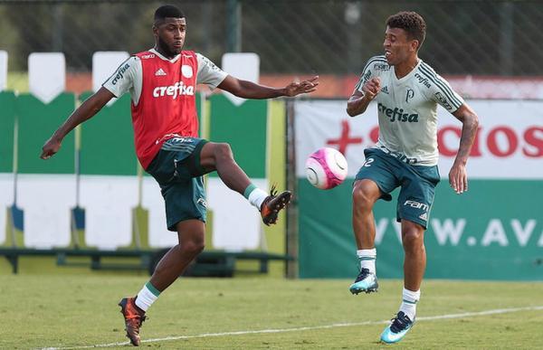 Emerson Santos chega a Porto Alegre para assinar com o Inter