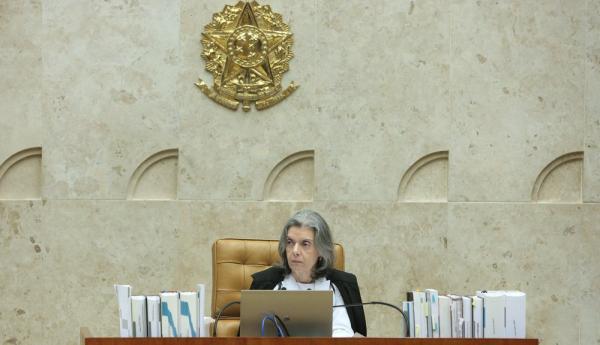 Cármen Lúcia suspende resolução da ANS que encarece planos de saúde