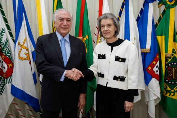 Temer viaja e Cármen Lúcia assume a Presidência da República pela terceira vez