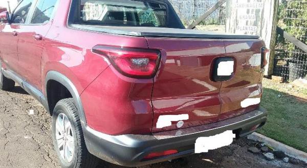 Condutor foge após colisão em Dionísio Cerqueira