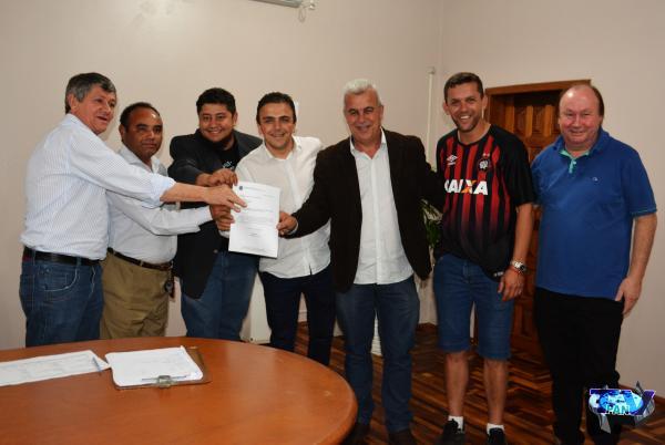 Barracão – Deputado Federal Aliel Machado visita município e entrega emenda de R$100 mil reais
