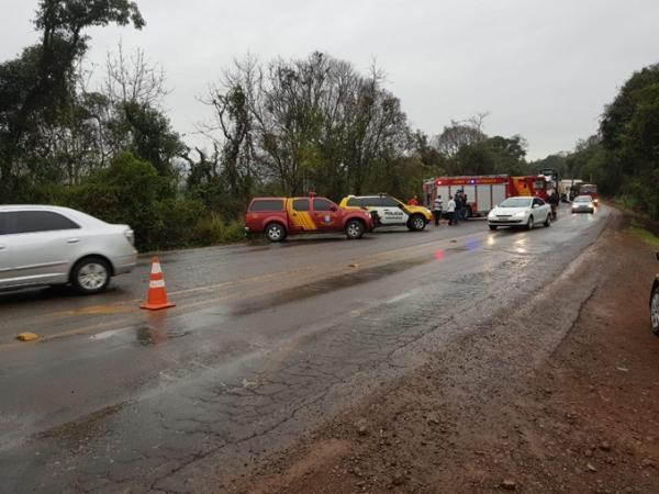 Professoras ficam feridas em acidente envolvendo quatro veículos na PR-180