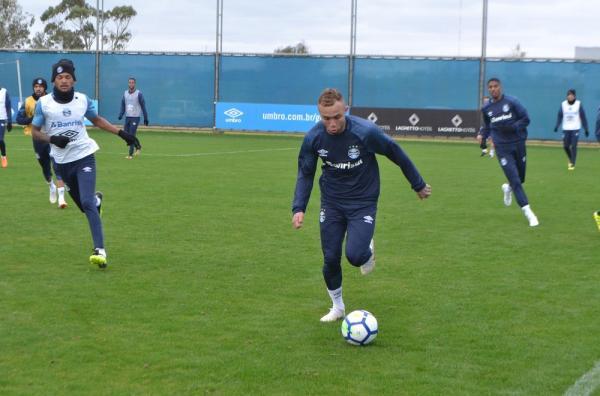 Everton treina após quatro dias e dá passo para retorno ao Grêmio em decisão