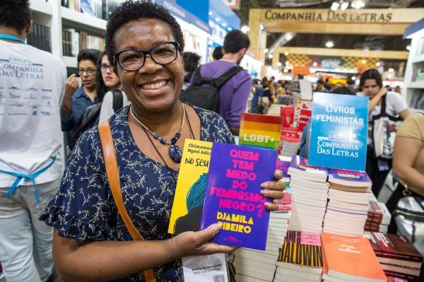Bienal do Livro de São Paulo aumenta o espaço para a literatura feminista e vê crescer venda de autoras