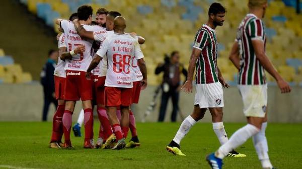 Inter vence o Fluminense