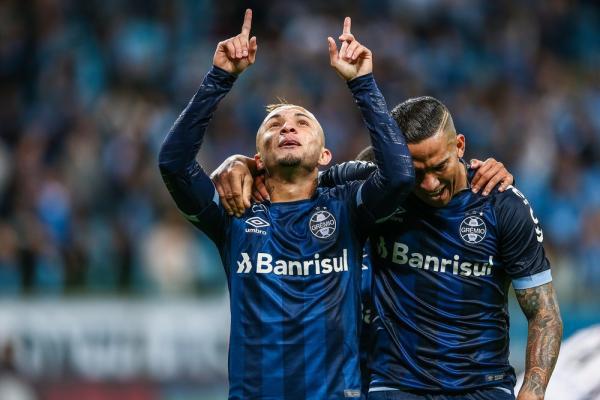 Grêmio agenda reuniões para renovar com Kannemann e Everton