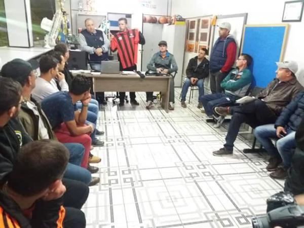 Barraconense de Futebol começa no próximo final de semana com apresentação oficial da Escola Furacão
