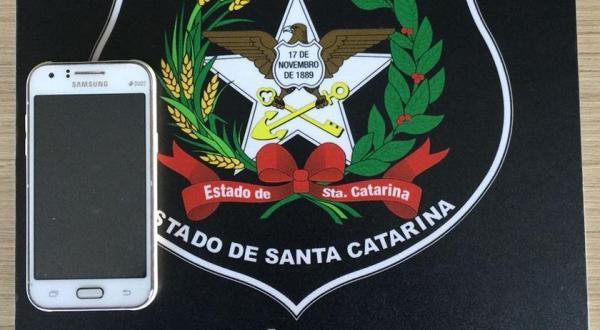 Polícia Civil recupera celular furtado