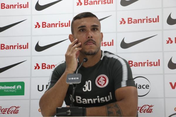 Pottker afasta pressão sobre Guerrero no Inter: