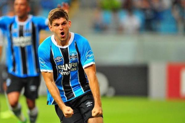 Cotado para seleção argentina, Kannemann indica permanência no Grêmio
