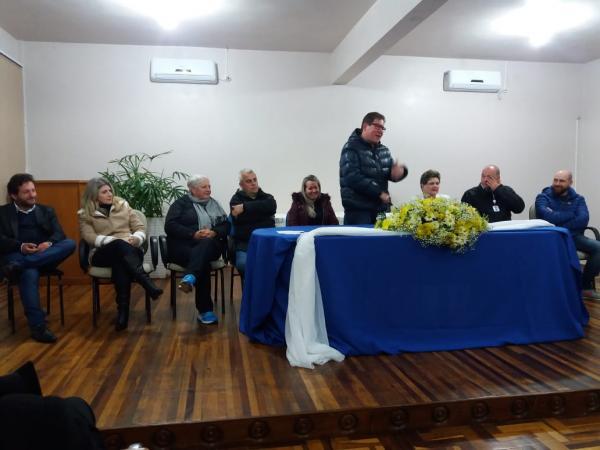 Foi assinada a Ordem de Serviço para o início das reformas da Escola Leonor Castellano