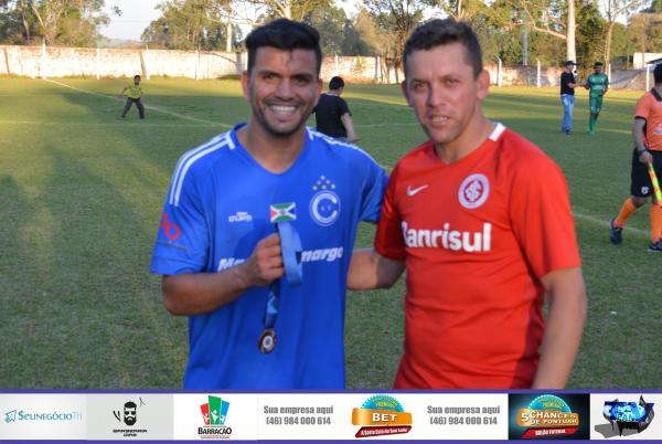 Barracão – Dani leva medalha de melhor em campo no Jogo entre Cruzeiro e União pelo Barraconense Principal