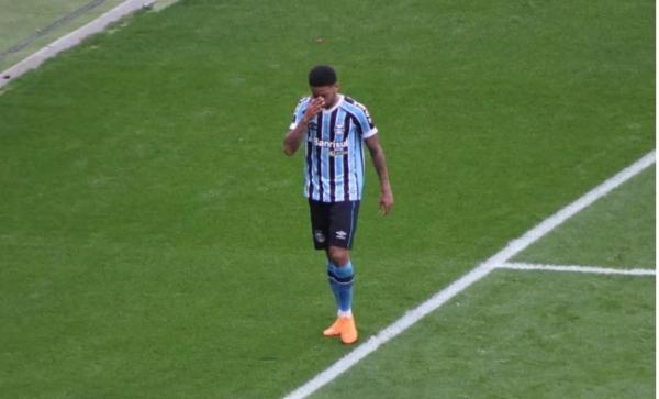 Com problema na panturrilha, André deve desfalcar o Grêmio para a Libertadores