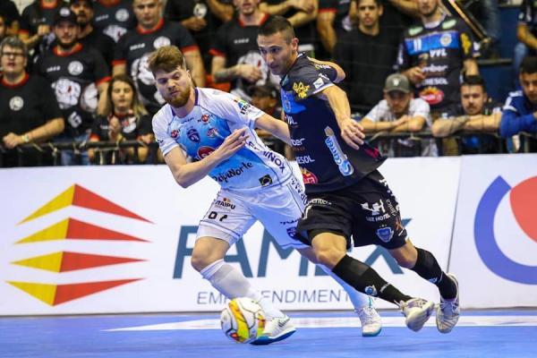 Pato Futsal assume a liderança do Paranaense