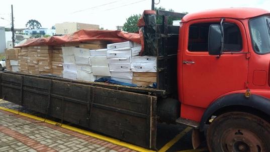Polícia Federal apreende quase 4 toneladas de camarão na BR-280