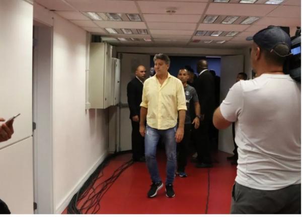 Procuradoria do STJD denuncia Maicon, Renato e Inter por confusões no Gre-Nal 417