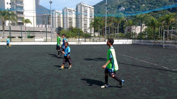 Grêmio finca bandeira na Rocinha e abre núcleo de captação para buscar talentos no RJ