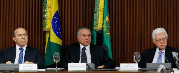 Justiça quer ouvir Temer, Moreira e Padilha em processo sobre suposta organização criminosa