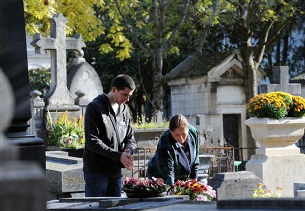 Paris sofre com a falta de túmulos vagos nos cemitérios
