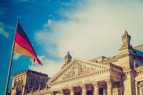 Parlamentares alemães se opõem ao financiamento público do diagnóstico de síndrome de Down temendo crescimento de abortos