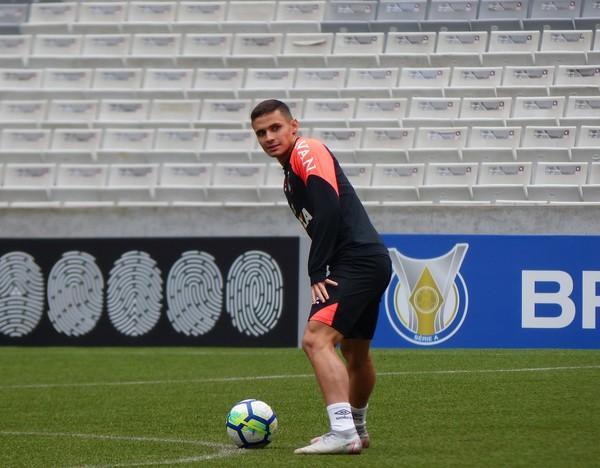 Veiga não se intimida com marca na Baixada e crê em Sport competitivo contra Atlético-PR
