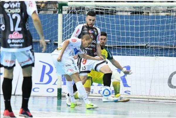 Marreco perde o primeiro confronto contra o Pato nas oitavas da LNF
