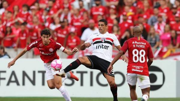 Inter vira para cima do São Paulo com dois de Damião e se mantém na caça ao líder Palmeiras