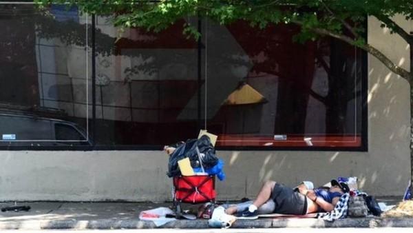 Aumento do número de sem-teto nos EUA é bomba-relógio