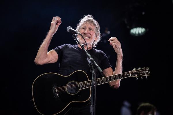 Roger Waters comenta polêmica em show e diz que luta não deveria ser entre fãs, mas contra os poderosos