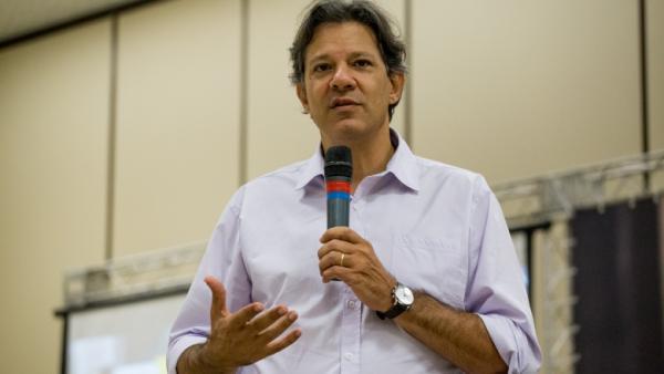 Haddad defende escola em tempo integral e reforma da Previdência com corte de privilégios