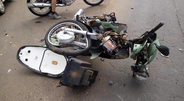 Motociclista fica ferido em acidente na Arnaldo Busato
