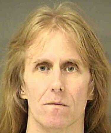 Karl Logan, guitarrista do Manowar, é preso por posse de pornografia infantil
