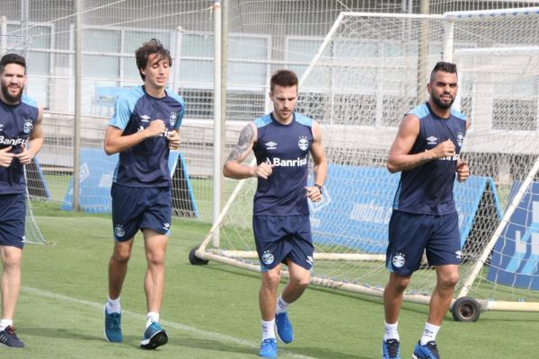 7a8f8e28895de Bressan recebeu o respaldo dos parceiros de Grêmio após a falha — Foto   Eduardo Moura