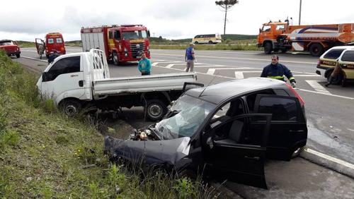 Um morto e dois feridos em acidente no Trevo do Horizonte