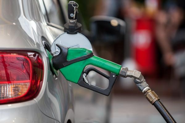 Preço médio da gasolina nas bombas cai mais de 1% na semana, diz ANP