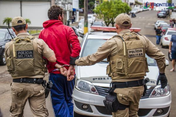 Jovem é detido por populares e preso por tentativa de roubo no centro de Dionísio Cerqueira